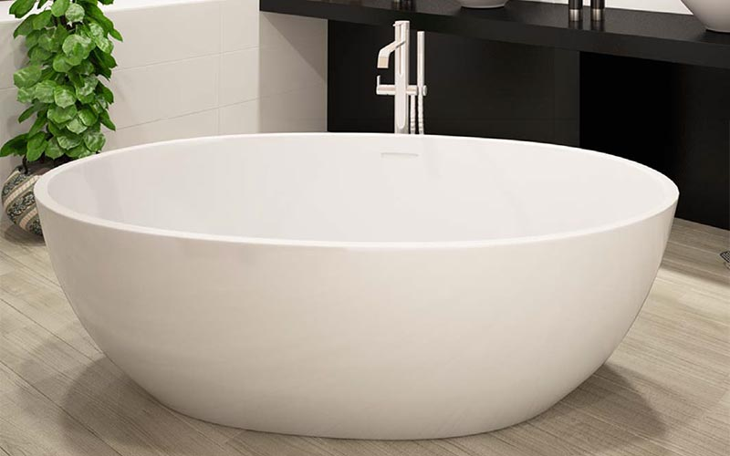 Americh ROC Collection Beijing bathtub installed in bathroom