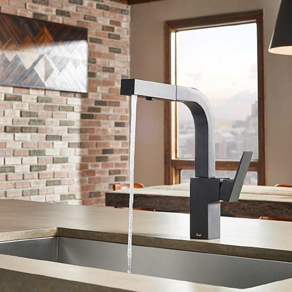 Mid-Town kitchen faucet with pull-out spray