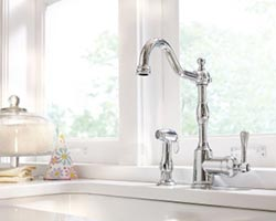 Side spray faucet