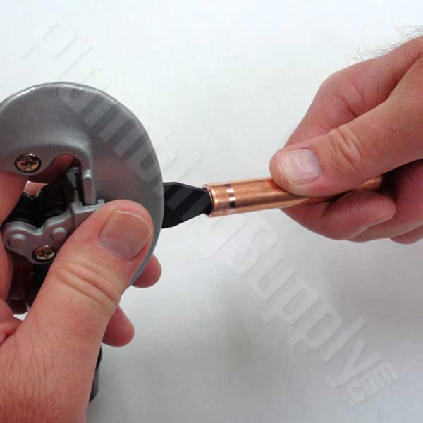 Deburring copper for flare fitting installation