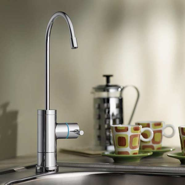 Polished chrome contemporary dispenser faucet