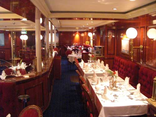 Dining room Royal Clipper in the Caribbean
